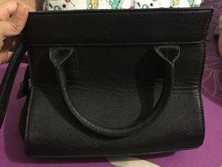 Stradivarius sling bag black