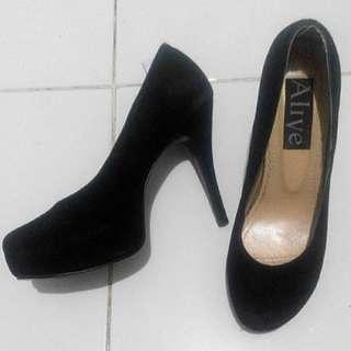 High heels sepatu hak tinggi hitam Alive