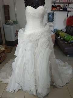 Gown prewedding and wedding