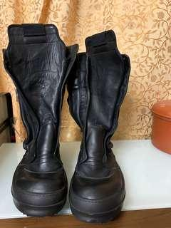Authentic rick owens leather boots,90%new