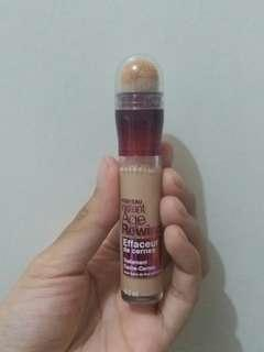 Maybelline age rewind concealer light