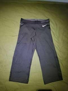Nike pro women L size