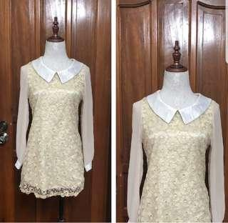 Dress with colar