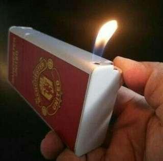 Kotak rokok club bola manchester united/korek gas unik