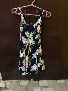 Cute dress with zippper