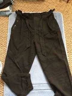 Zara highwaisted camo pants