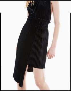 Berskha velvet pleated asymmetrical skirt