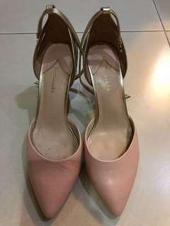Le Saundra pink low heels