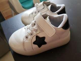 STAR BABY SHOES WITH LED LIGHT