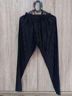 Celana Pleats
