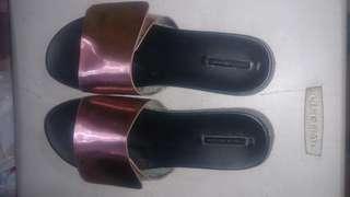 Original Zara trafaluc slipper size 41 made in Vietnam from usa