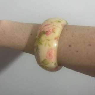 Plastic Chunky Floral Bangle