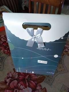 GIVEAWAY Gift bag