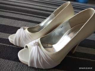 Miss Suri Heels for Nikah / Resepsi