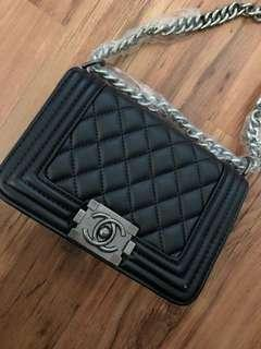 Chanel bag quilted black