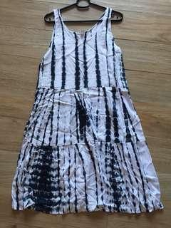 TIERED DYED BEACH DRESS, WHITE/BLUE