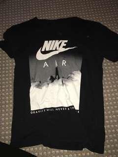 Nike L top