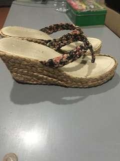 🚚 草編夾腳楔型鞋