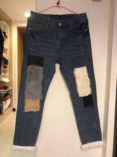 🚚 拼貼毛毛牛仔褲