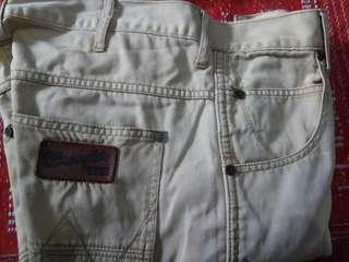 Wrangler spencer 32x32
