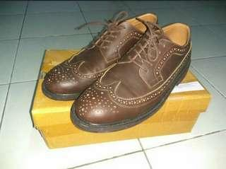Sepatu wingtip brygan semi kulit bandung kantor formal wingtip dress shoe shoes 2nd untuk lebaran (not cibaduyut guteninc sneakers sneaker)
