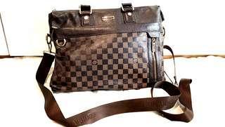 💯🔴 Louis Vuitton Luxury Sling Bag