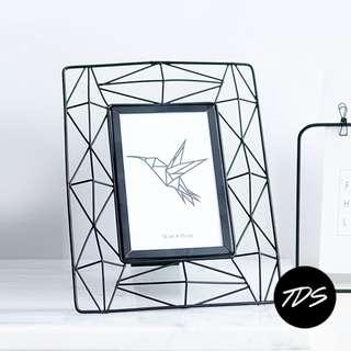 ⚡️ [Promo!] Kol Geometric Minimalist Photo Frame in Metal