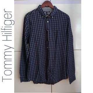 TOMMY HILFIGER New York Fit Blue Checkered Long Sleeves Polo