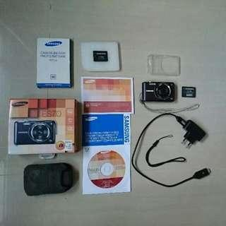 [Accessorized] Samsung Digital Compact Camera ES70 + extra battery + case