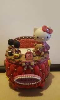 Hello Kitty 盒