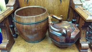 Elm wood tea-pot carrier