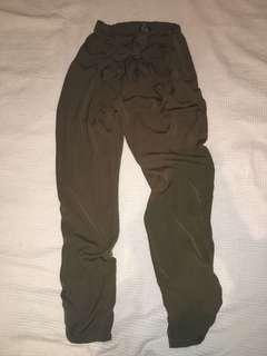 Front tie up pants, size 8