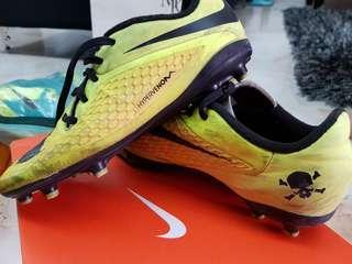 Nike Soccer Boots (hyper vernom?