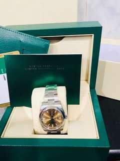 🚚 Rolex Oyster Perpetual 39mm 2018 116000 Champagne Gold Dial Automatic Steel Casing