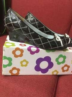 🚚 DeSire格紋露趾中跟鞋