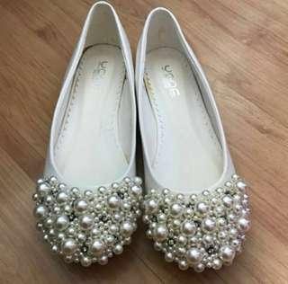 全新 白色珍珠平底鞋 (適合結婚用)