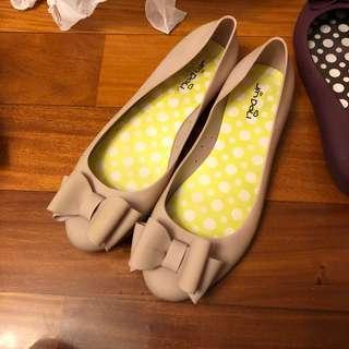 雨鞋 平底