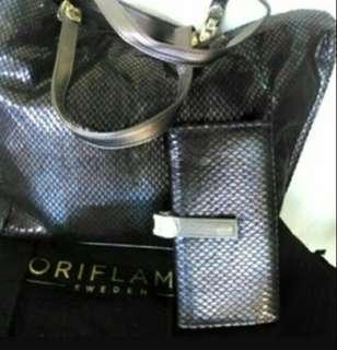 Posses handbag free wallet by oriflame