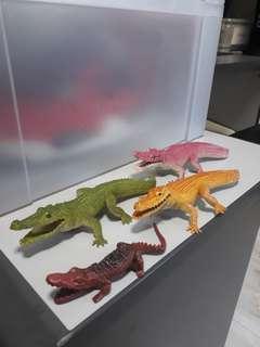 Aligators toys