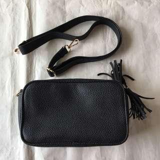 Small Sling Bag — Black