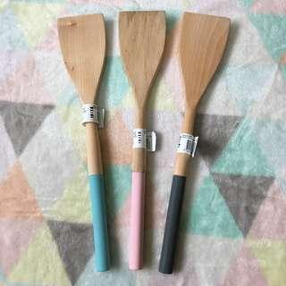 KMART Silicone Wooden Turner/Lifter