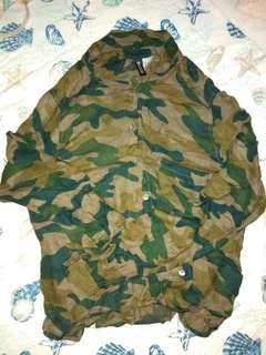 H&M camouflage crop top