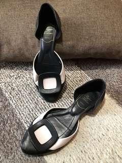 Authentic Roger Vivier Flat Shoes Size 37