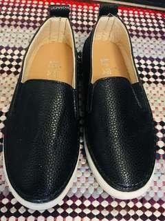 黑色彷皮童鞋 免費