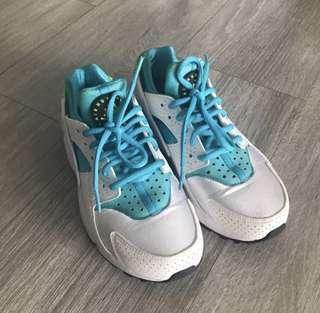 Nike air 波鞋