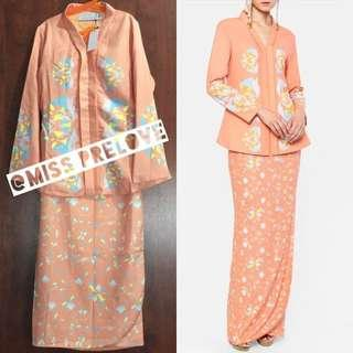 Mimpikita Scilla Kebaya Set in Salmon