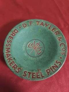 Vinrage DF tayler & co  pin tin