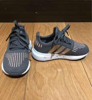 Adidas Swift Run (US 7) no box