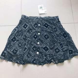 Instock! - BNWT Vintage Monochrome Ripcurl Aztec / Tribal Print Button Down Circle Flared (Skater) Skirt