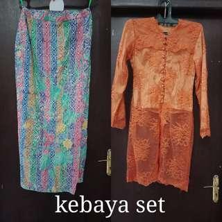 Kebaya (rok batik+kebaya+jilbabsegi4)